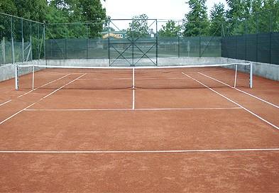Tenisz palya epitese